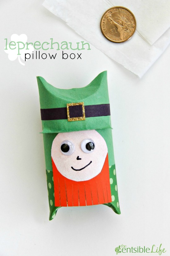 St. Patrick's Day Craft: leprechaun pillow box