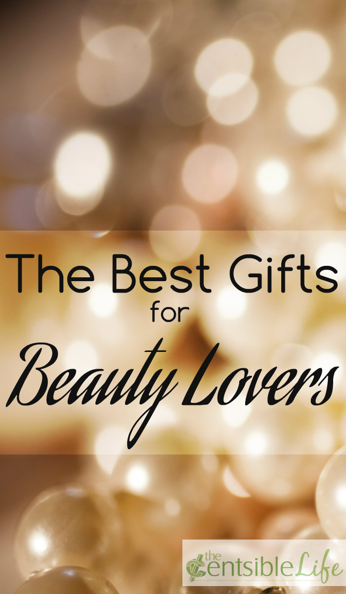 5 gifts to give your favorite beauty lover